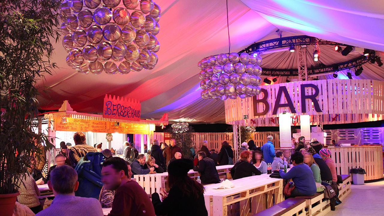 Esszimmer Tollwood München Veranstaltungen Konzerte Theater Markt