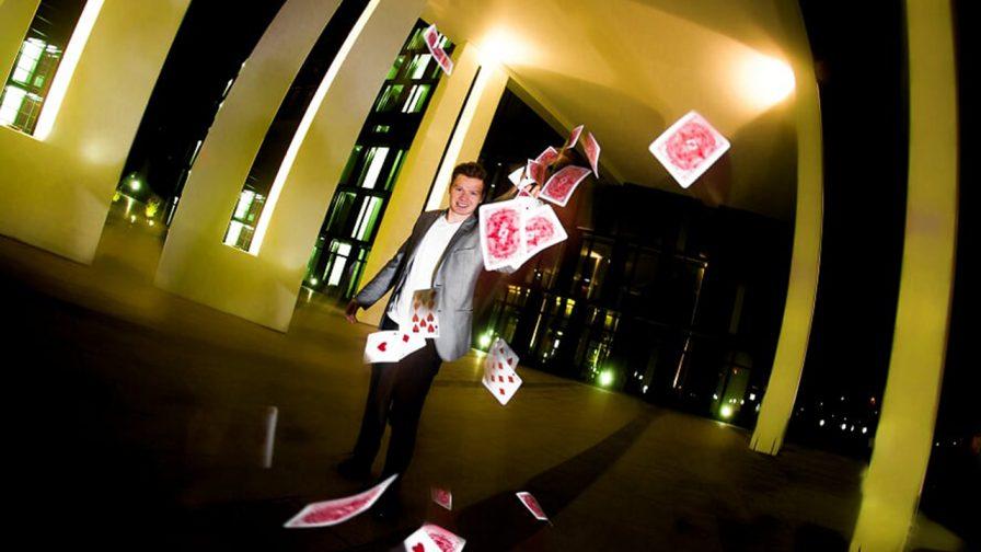 Zauberkuenstler Daniel Eichinger