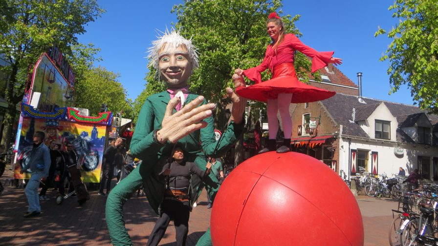 Performances Cie With Balls Veranstaltung Tollwood Sommerfestival 2019