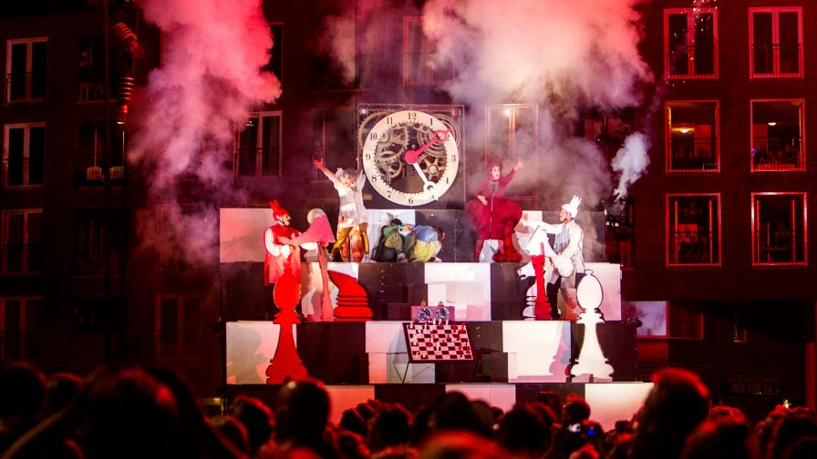 Theater Titanick Alice on the Run Tollwood Sommerfestival 2019