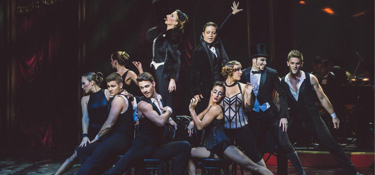 Paris De Nuit Recirquel Variete Theater Tollwood Muenchen