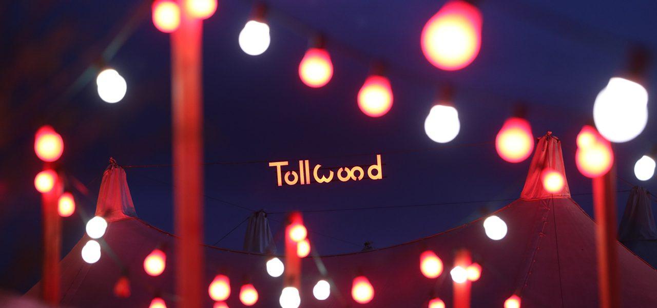 Musik-Arena mit Tollwood Logo