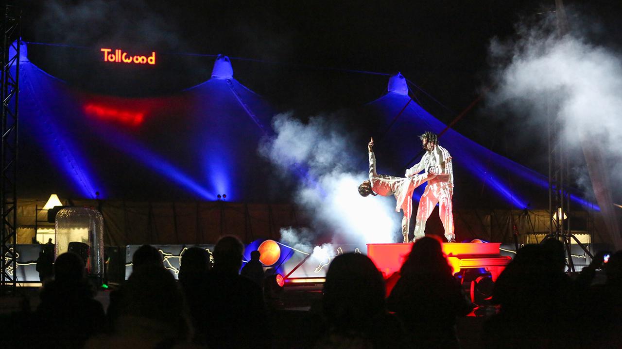 Flotados - Tollwood Winterfestival
